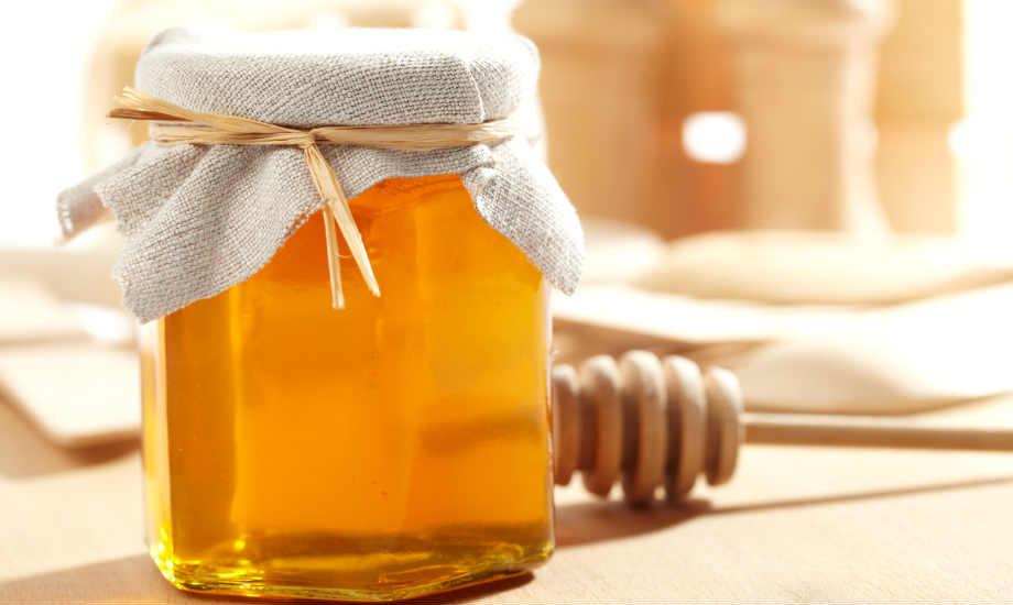 Μ όπως μέλι. Το τελευταίο ενδυναμώνει τα μαλλιά σας με τον πιο γλυκό τρόπο!