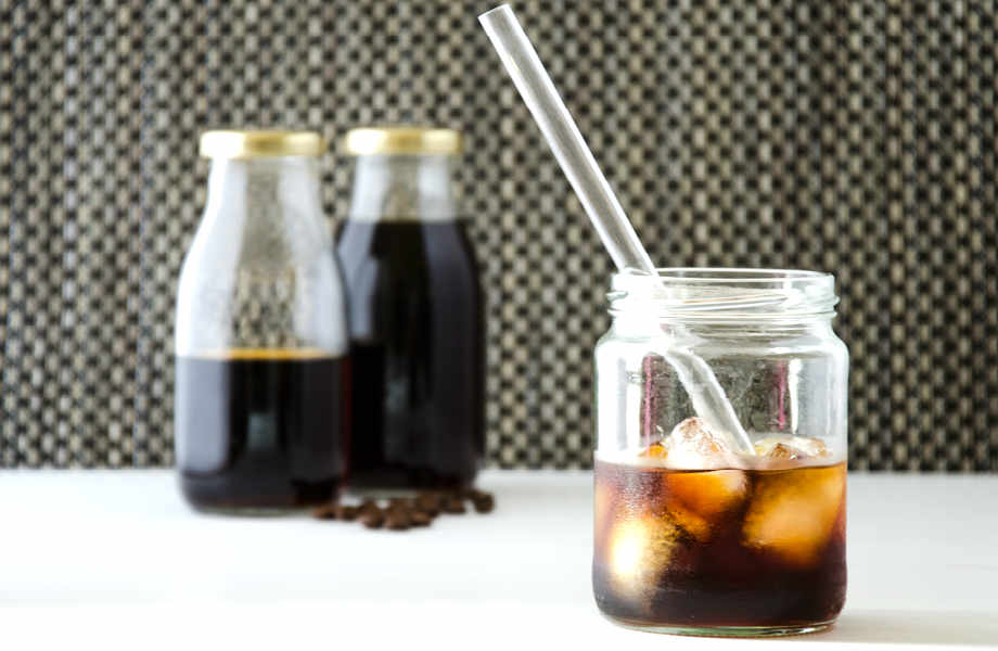 Λόγω της ιδιαίτερης προετοιμασίας του, ο cold brew καφές έχει χαμηλή οξύτητα. Τι σημαίνει αυτό; Όχι μόνο δεν σας πέφτει βαρύς... στο στομάχι αλλά αποκτά και πιο γλυκιά γεύση.