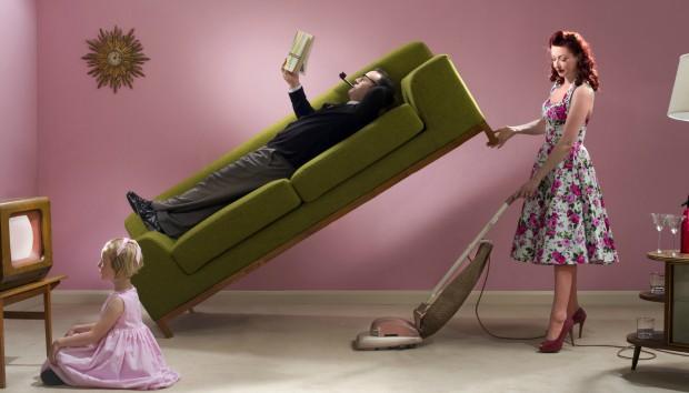 10 Γρήγορα Tips για Όσους Βαριούνται τις Δουλειές του Σπιτιού (VIDEO)