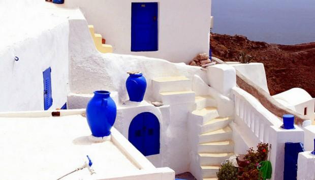Κυκλαδίτικη Διακόσμηση: Πώς θα τη Φέρετε από το Νησί στο Σπίτι σας!
