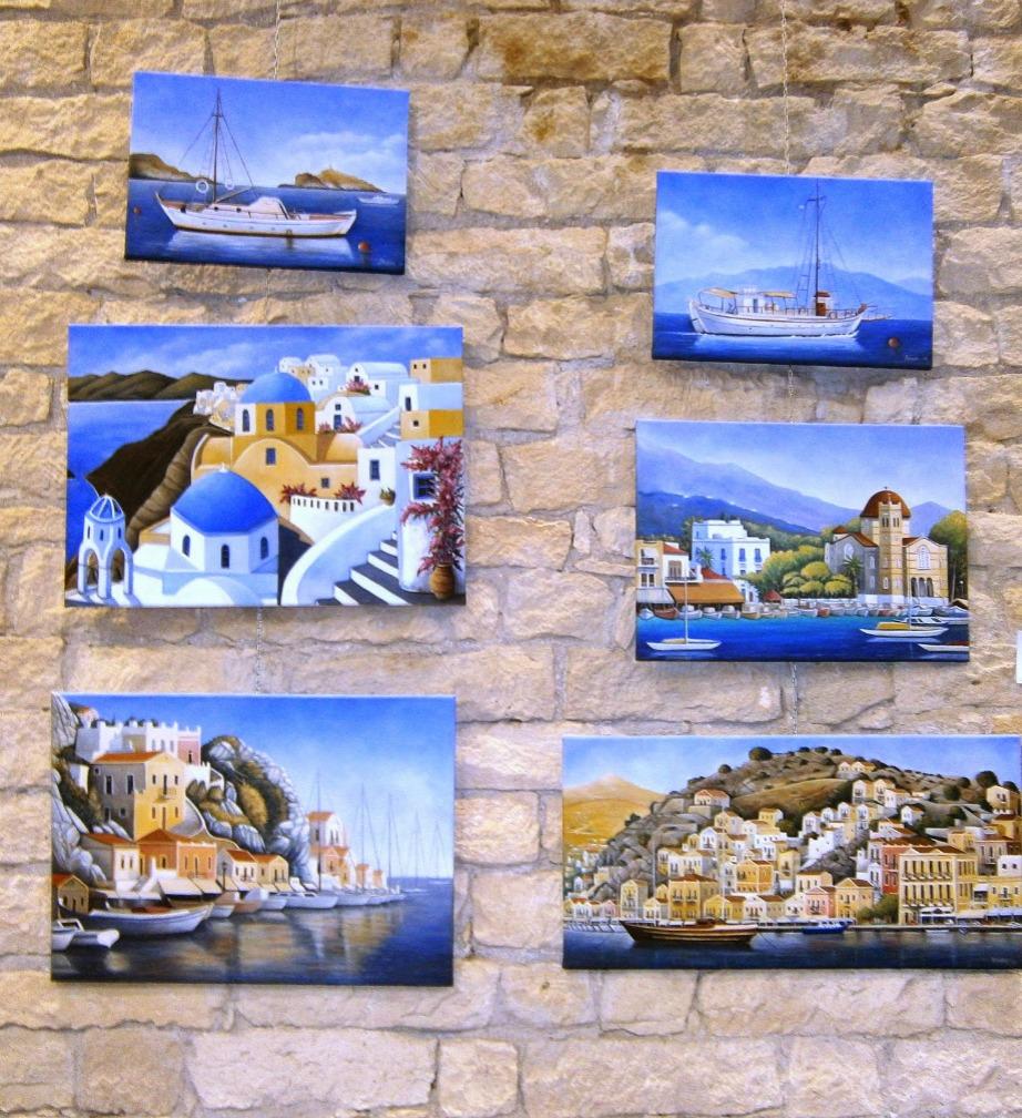 Κρεμάστε σε διάφορα σημεία του σπιτιού όμορφους πίνακες με ελληνικές παραλίες και κυκλαδίτικα σπίτια.