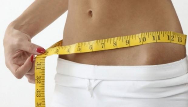 Να τι πρέπει να Κάνετε για να Αποκτήσετε πιο Επίπεδη Κοιλιά σε 12 Ώρες!