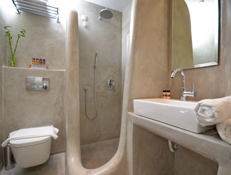 Τις εντυπώσεις βέβαια κλέβουν τα μπάνια του ξενοδοχείου.