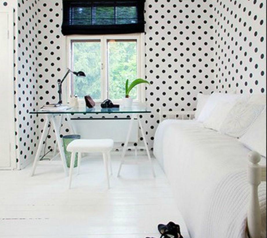 Το ασπρόαυρο πουά σχέδιο αποτελεί σταθερή αξία στη διακόσμηση.
