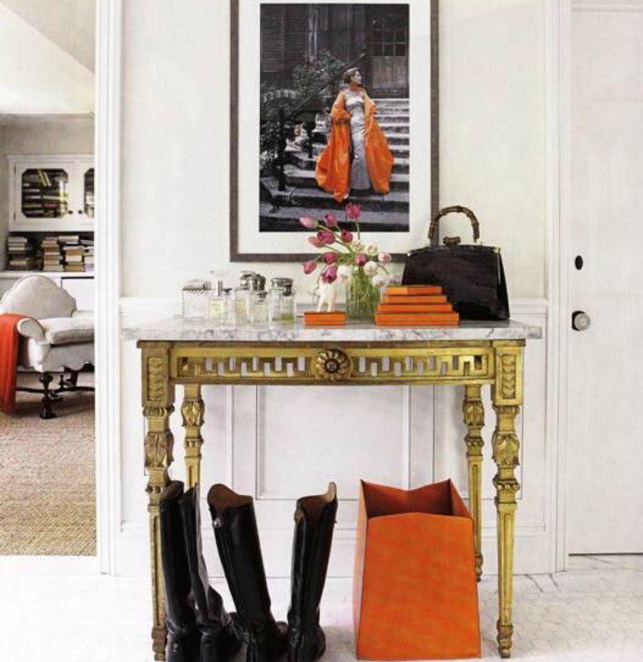 Οι πορτοκαλί λεπτομέρειες δίνουν πάντα φθινοπωρινή πινελιά στο σπίτι σας.
