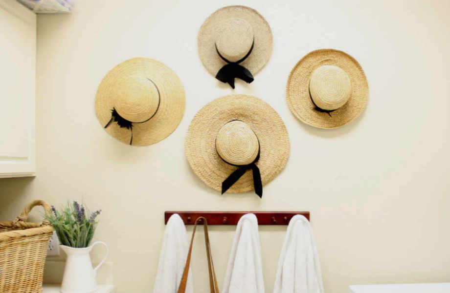 Τα καπέλα φέρνουν αέρα ξεγνοιασιάς και χαλαρότητας στο χώρο σας. Ακόμα καλύτερα: δεν κοστίζουν ακριβά.