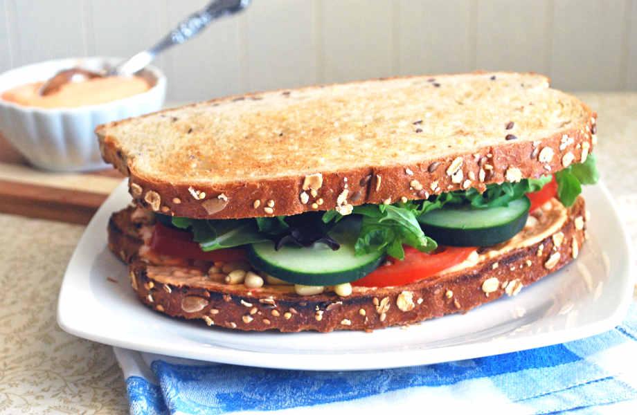 Γιατί να προτιμήσετε σάντουιτς με λαχανικά; Είναι ελαφρύ σε θερμίδες και πλούσιο σε γεύση!
