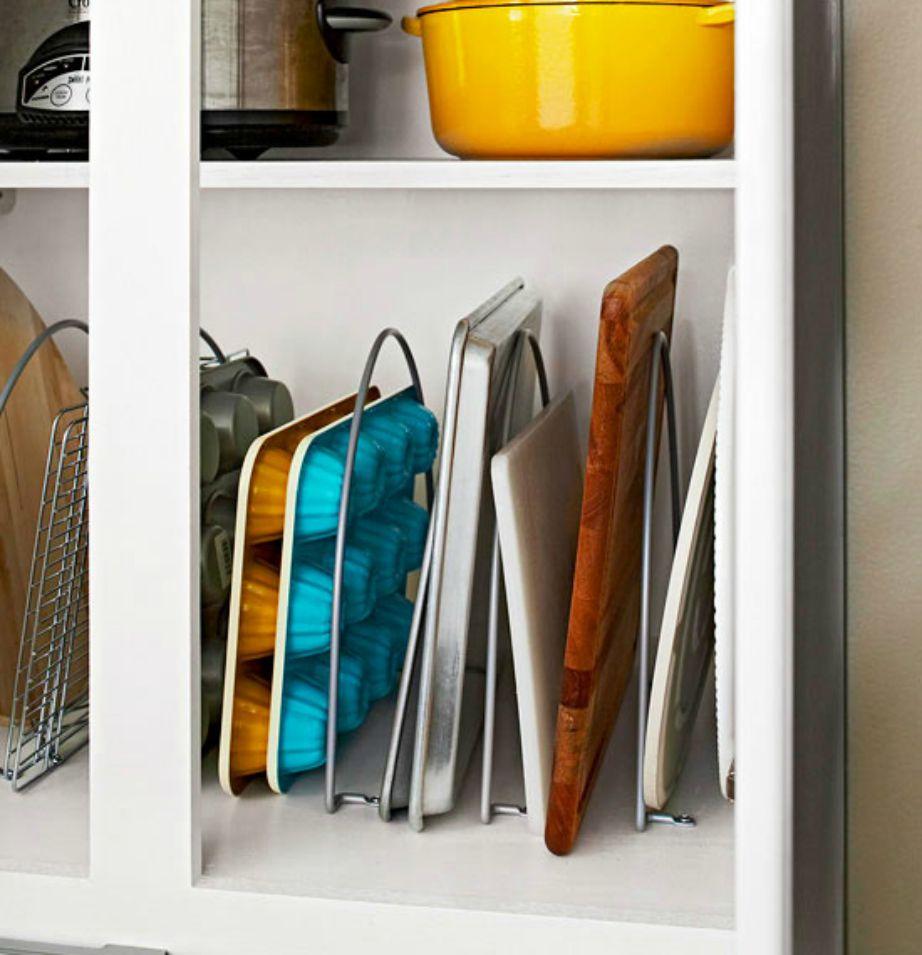 Τα διαχωριστικά ντουλαπιών μπορούν να βάλουν τάξη στην κουζίνα σας εύκολα και οικονομικά.