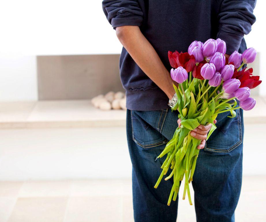 Τα λουλούδια είναι ένας απλός και οικονομικός τρόπος να δείχνετε συχνά την αγάπη και την εκτίμησή σας στην αγαπημένη σας.