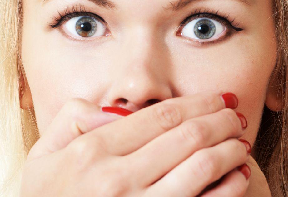 Φροντίστε να ενυδατώνετε τακτικά το στόμα σας.