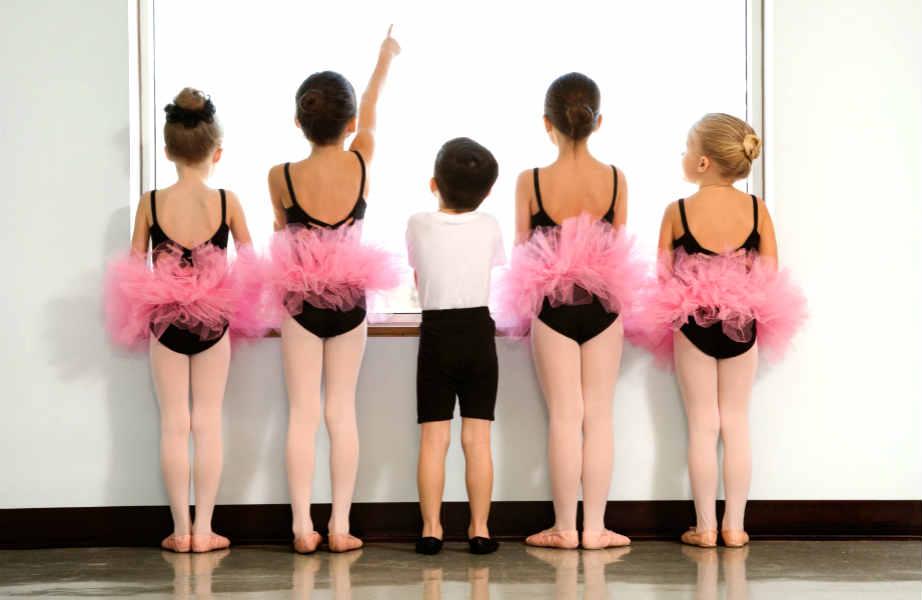 Περιορίστε τις εξωσχολικές δραστηριότητες του παιδιού σε εκείνες που το ευχαριστούν πραγματικά.