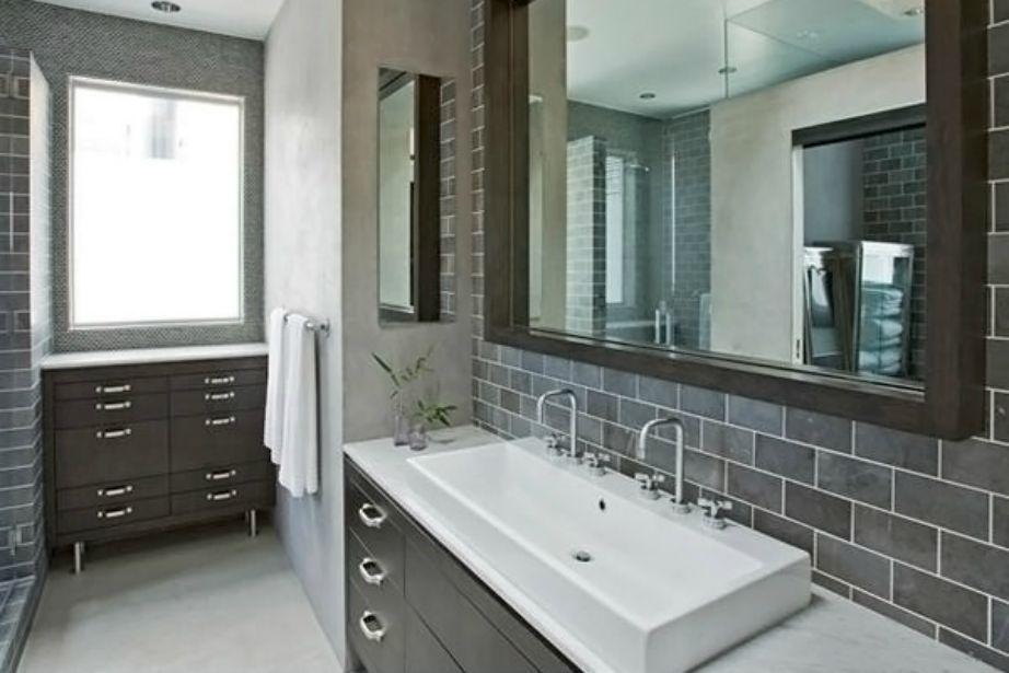 Το γκρι είναι μια από τις αγαπημένες μας αποχρώσεις για τη διακόσμηση του μπάνιου το φετινό φθινόπωρο.