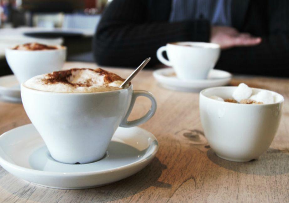 Ο καφές έχει την ικανότητα να αλλάζει το βιολογικό ρολόι σας.