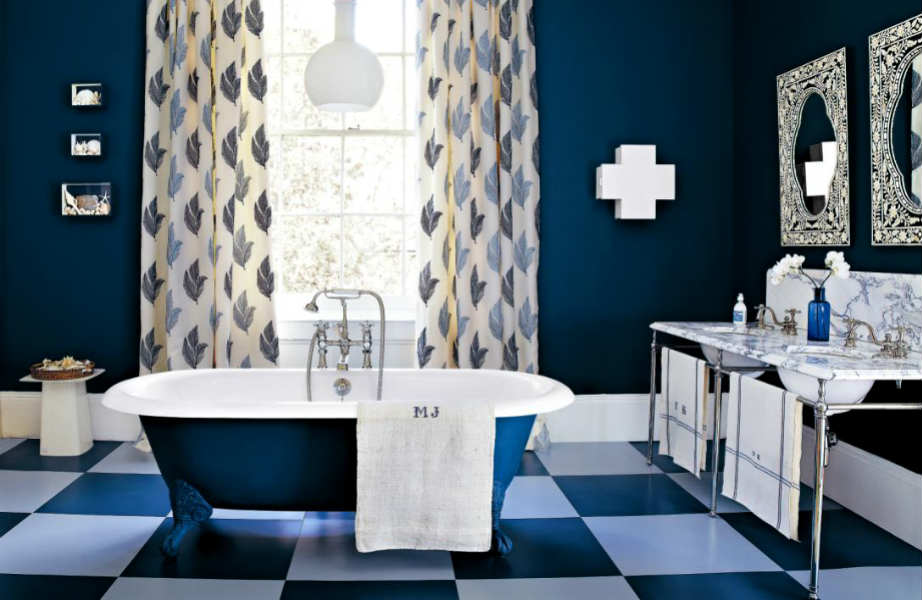 Boys will be boys: επιλέξτε το μπλε indigo για να δώσετε μια κλασική αντρική πινελιά στο μπάνιο σας!