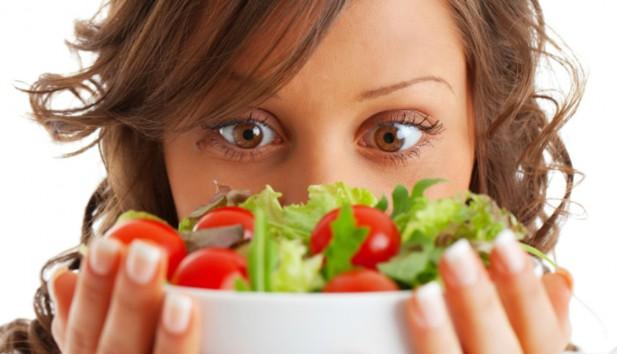 Οι Διατροφολόγοι Αποκαλύπτουν τι Πρέπει να Τρώτε το Βράδυ για να Χάσετε Βάρος!