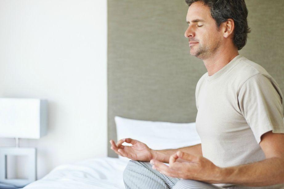Ο διαλογισμός βοηθάει πολύ στη χαλάρωση αλλά καλό θα ήταν να τον κάνετε τουλάχιστον μια ώρα πριν πέσετε για ύπνο. Πρόκειται για μια πολύ δυναμική μέθοδο με πολλά οφέλη γα την ψυχική ηρεμία κάθε ανθρώπου.