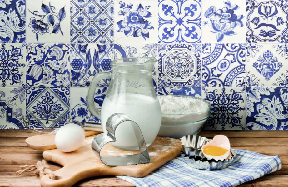 Λευκό και μπλε: ο απόλυτος vintage και μοδάτος συνδυασμός για την κουζίνα σασ!
