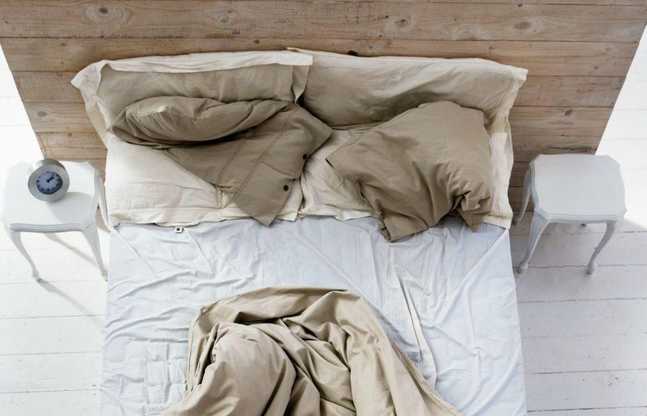 Σε κάθε κρεβάτι υπάρχουν πάνω από ενάμιση εκατομμύρια ακάρεα σκόνης.