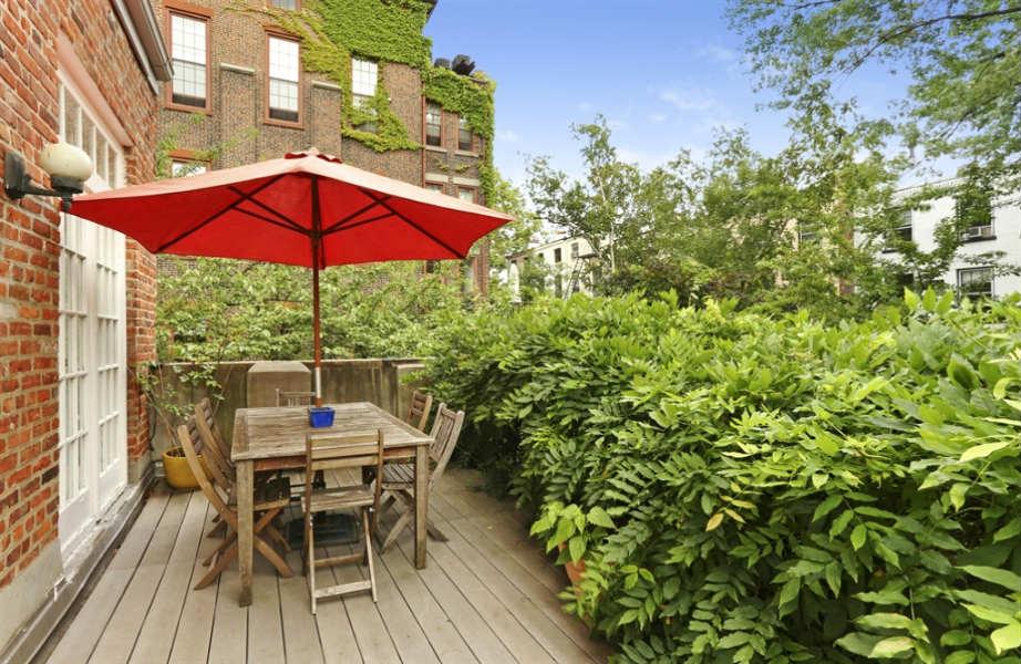 Η ταράτσα του νέου σπιτιού της Norah Jones είναι ό,τι πρέπει για roof party!
