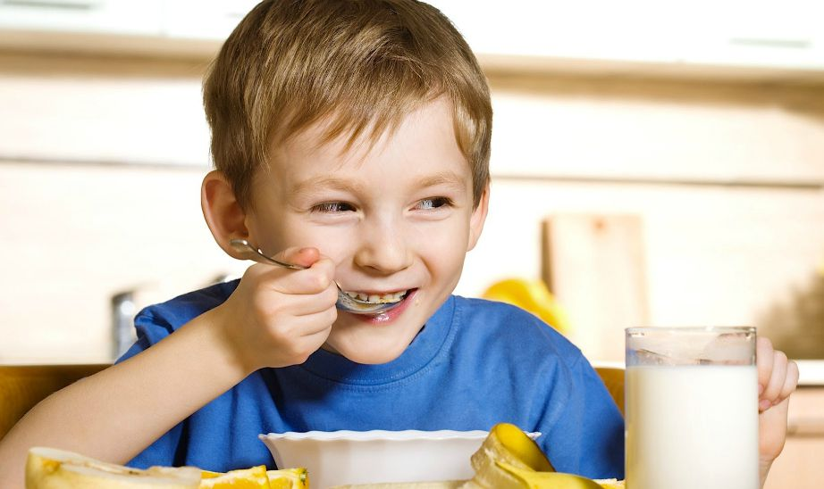 Το πρωινό είναι το πιο σημαντικό γεύμα της ημέρας και δεν πρέπει να παραλείπεται από κανένα παιδάκι.