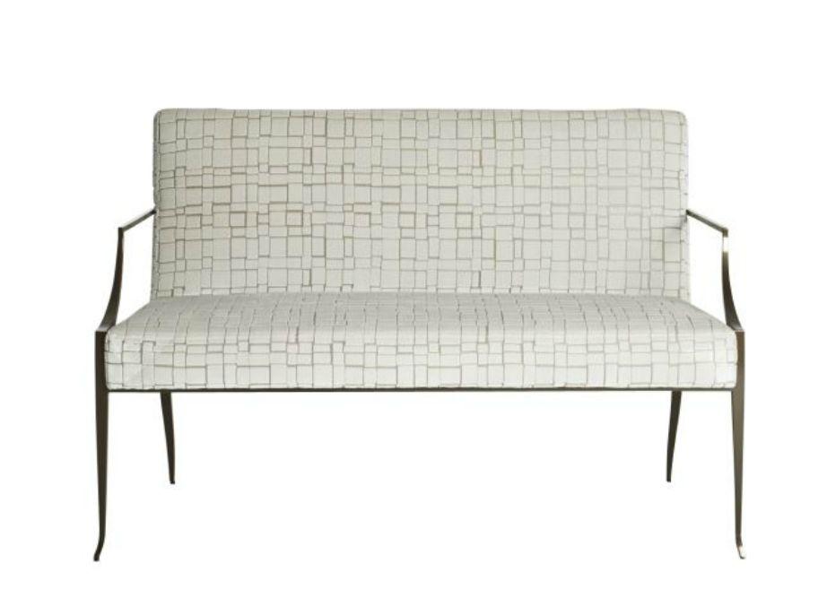 Για industrial διακόσμηση επιλέξτε έναν μίνιμαλ καναπέ με μεταλλικά πόδια.