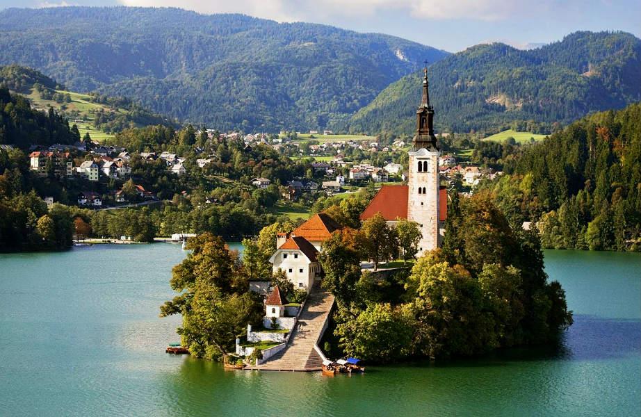 Ένα και μοναδικό: το Bled είναι το μόνο νησί της Σλοβενίας.