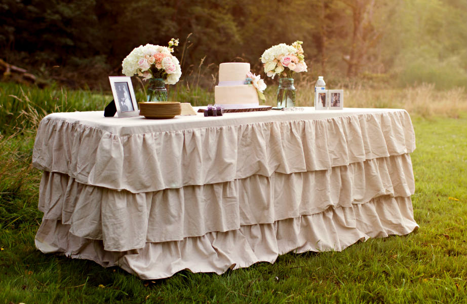 Μη τα βάλετε σπίτι σας: κρατήστε τα βολάν για το γάμο σας.