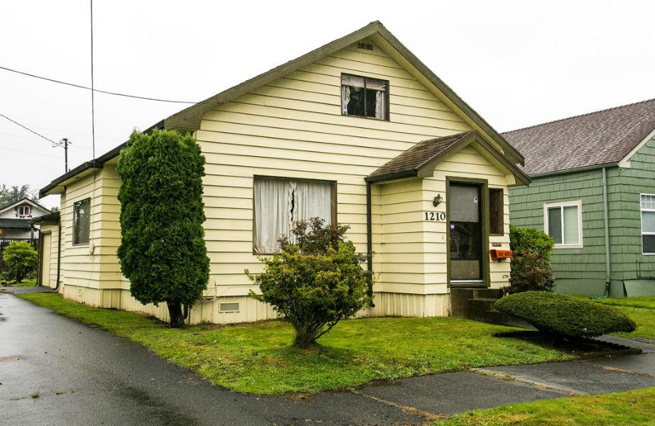 Με 400.000 δολάρια μπορείτε να γίνετε ο περήφανος νέος ιδιοκτήτης του σπιτιού που έκανε -κυριολεκτικά- τα πρώτα του βήματα ο Kurt Cobain.