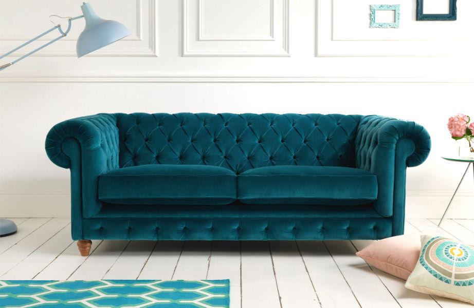 Αν σας αρέσουν οι Chesterfiled καναπέδες μάλλον λατρεύετε και την Audrey Hepburn.