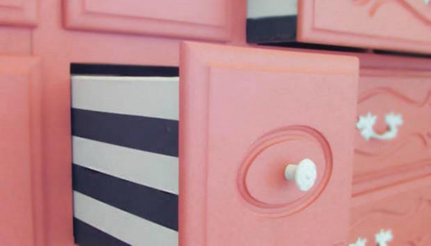DIY: Δείτε πώς Μεταμορφώθηκε μια Συρταριέρα με Λίγη Βαφή