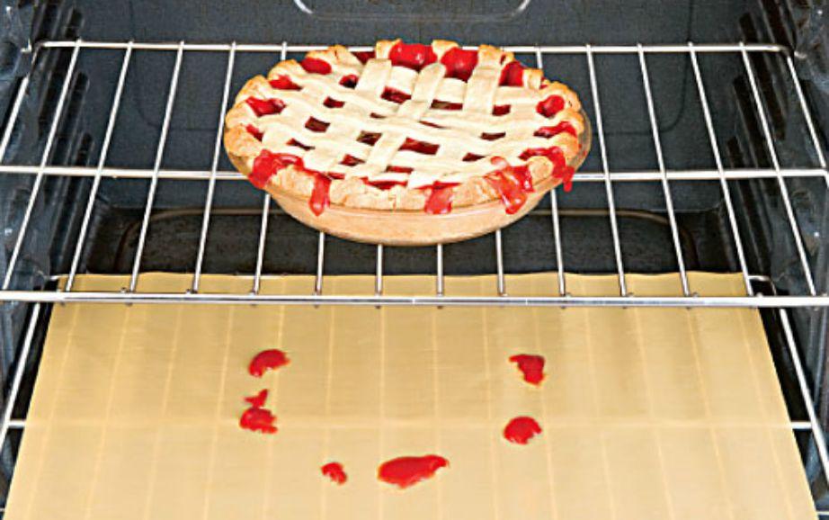 Το προστατευτικό φούρνου θα σας σώσει από πολύ καθάρισμα!