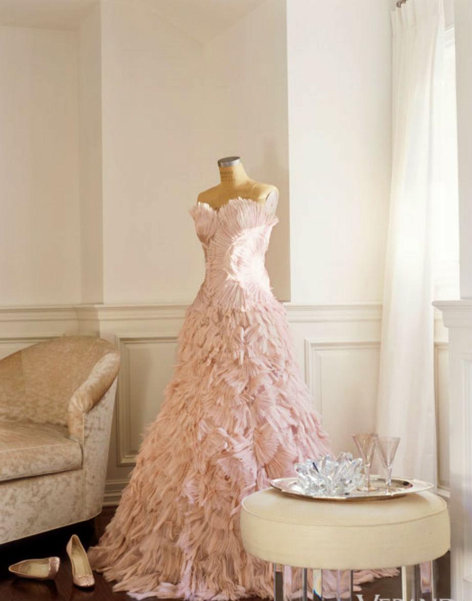 Η τεράστια γκαρνταρόμπα της J.Lo. είχε ειδικό χώρο για τα πανάκριβα φορέματά της.