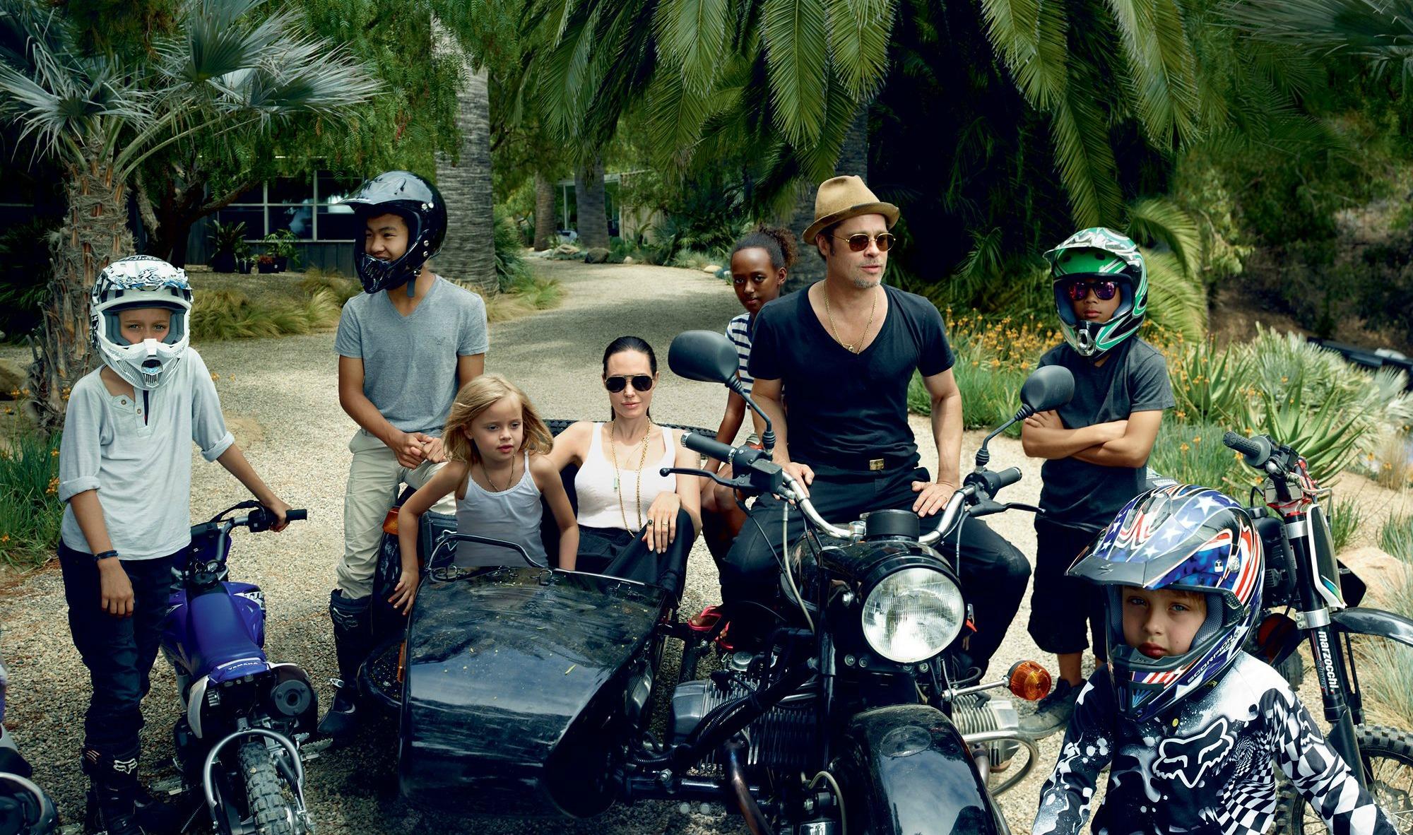 Η οικογένεια Jolie-Pitt όπως φωτογραφήθηκε πριν λίγες μέρες από την Vogue.
