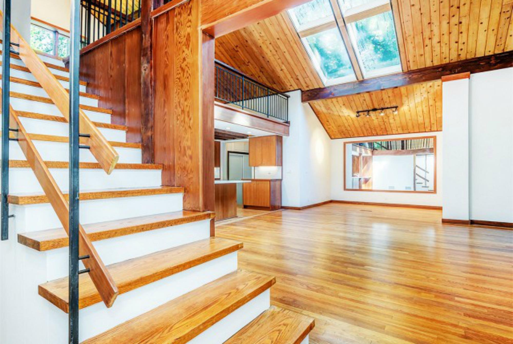 Η λεπτομέρεια κάνει πάντα τη διαφορά σε ένα σπίτι, και αυτό το σπίτι είναι πολύ προσεγμένα φτιαγμένο και άκρως εντυπωσιακό.