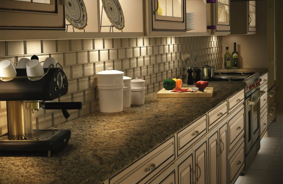Ο κρυφός φωτισμός θα δημιουργήσει μια πανέμορφη ατμόσφαιρα στην κουζίνα σας.