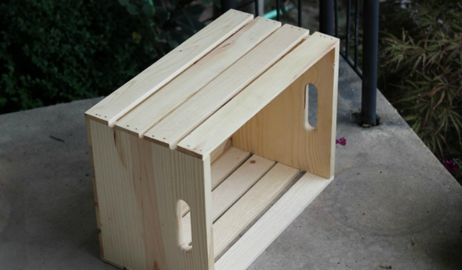 Με αυτό το απλό ξύλινο κιβώτιο μπορείτε να φτιάξετε ένα φανταστικό μίνι wine bar.