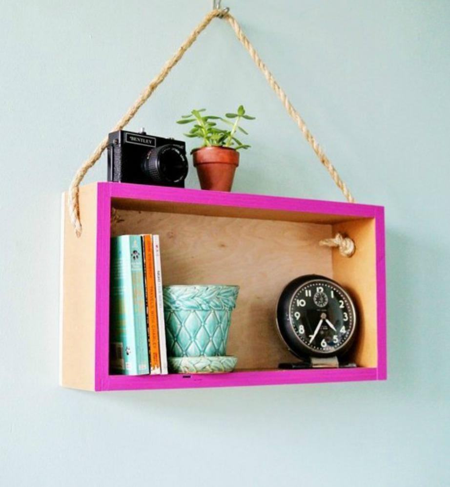 Δείτε πόσο χαριτωμένο δείχνει αυτό το single ραφάκι; Εμείς θα σα ςπροτείναμε να το μεγαλώσετε λιγάκι και να το βάλετε στον τοίχο του υπνοδωματίου σας αντί για κάδρο.