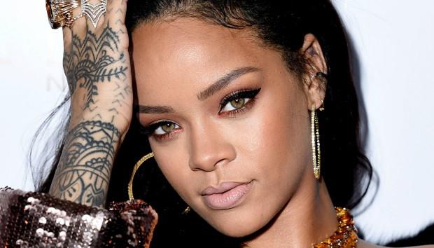Το Σπίτι της Rihanna στο Los Angeles δεν είναι Καθόλου όπως το Περιμέναμε