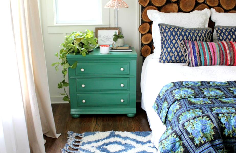 Κολλήστε το χαλί πάνω στο κρεβάτι σας για να αποφύγετε την άμεση επαφή με το κρύο πάτωμα.