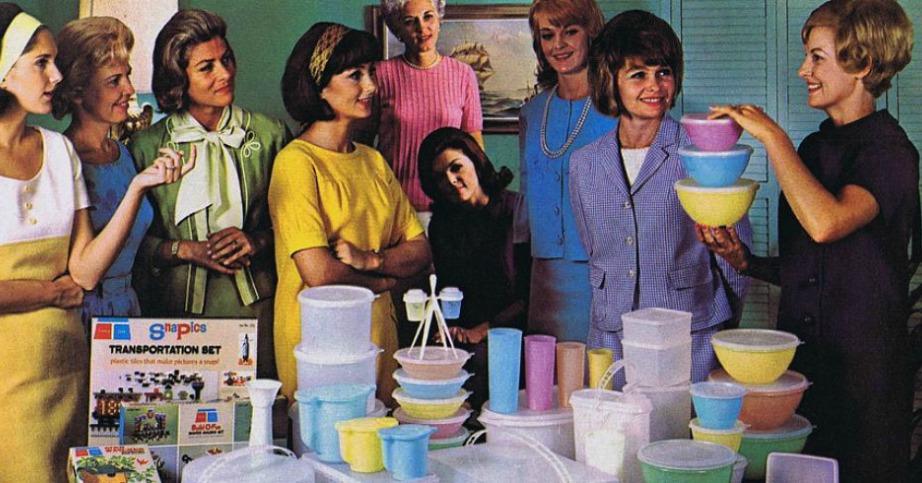 Το 1949 πραγματοποιήθηκε το πρώτο πάρτι της Tupperware και διοργανώθηκε από μια απλή νοικοκυρά.