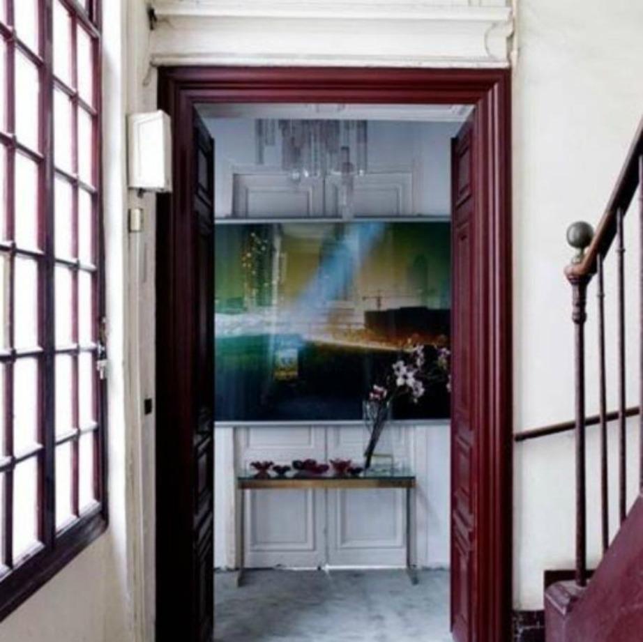 Το μοβ χρώμα και γενικά οι σκούρες αποχρώσεις δίνουν σοφιστικέ τόνο σε ένα σπίτι.