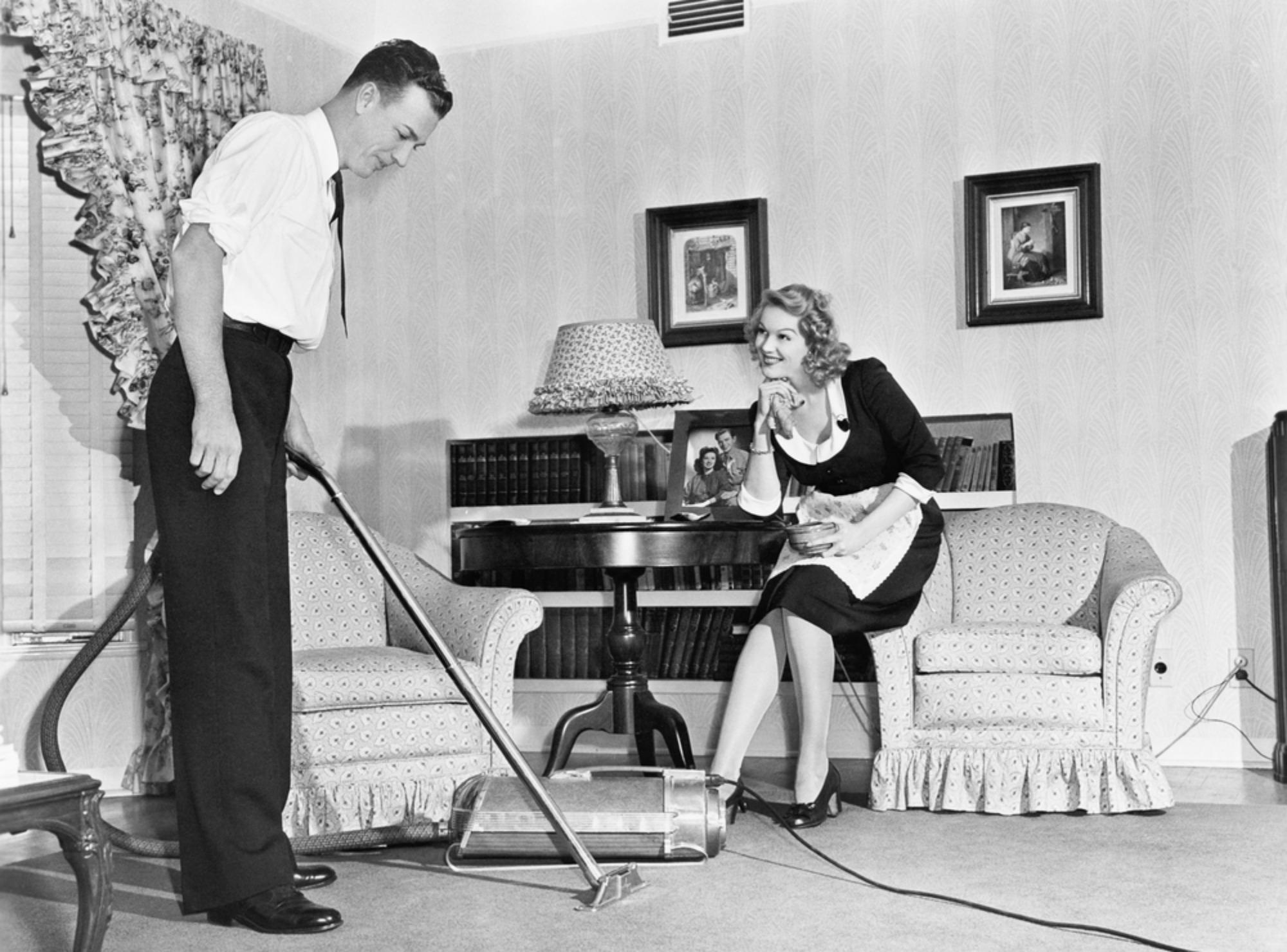 Όταν ανακαλύφθηκαν οι σκούπες, όλο και περισσότερος κόσμος άρχισε να βάζει χαλιά στο σπίτι του.