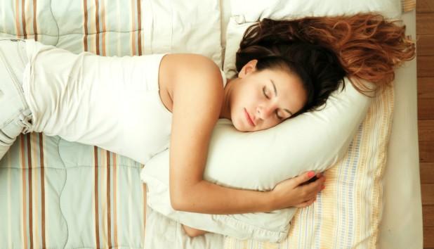 Πώς να Κοιμάστε για να να μην Κάνετε Ρυτίδες!