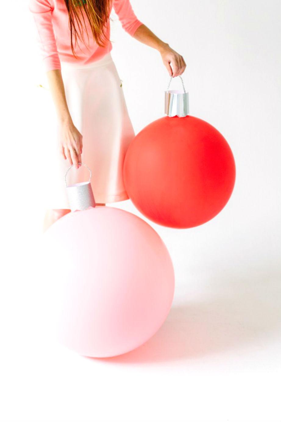 Κι όμως τα πιο εντυπωσιακά χριστουγεννιάτικα στολίδια φτιάχνονται με μπαλόνια!