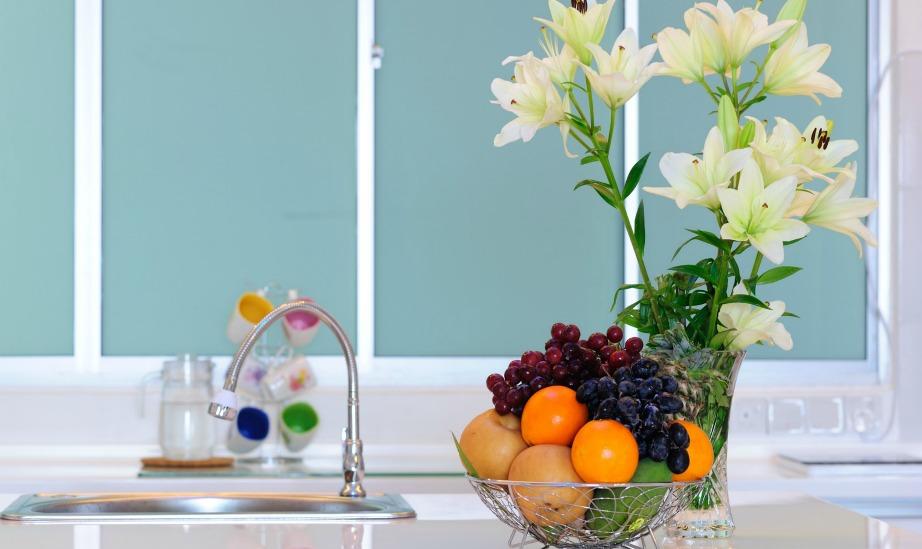 Μπορεί αρχικά να σας φαίνεται βαρετή η ιδέα της γενικής καθαριότητας, αλλά όταν τελειώσετε και δείτε πόσο καθαρό θα είναι το σπίτι σας θα νιώσετε τεράστια ικανοποίηση.