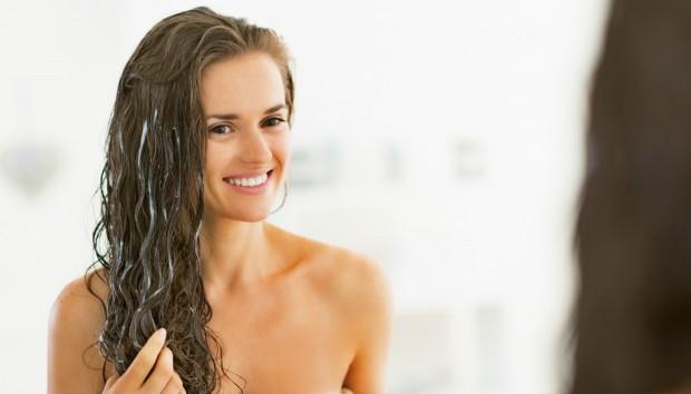 Το Φυσικό Συστατικό που Επιδιορθώνει τις Κατεστραμμένες Άκρες στα Μαλλιά!