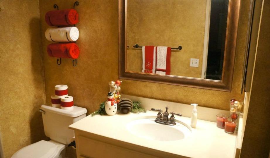 Αν δεν έχετε χριστουγεννιάτικες πετσέτες, χρησιμοποιήστε άσπρες, κόκκινες και πράσινες.
