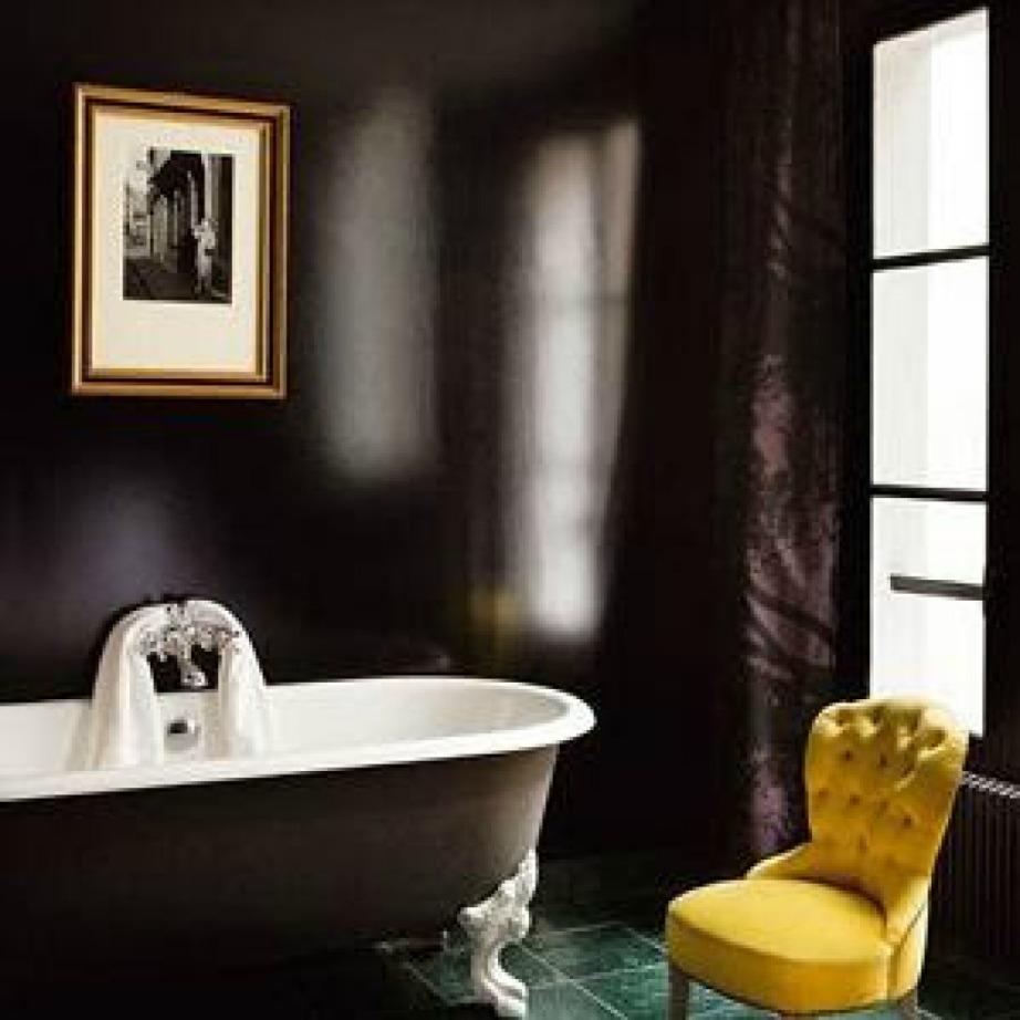 Το μαύρο χρώμα στους τοίχους θα προσθέσει στιλ και χαρακτήρα στον χώρο σας.