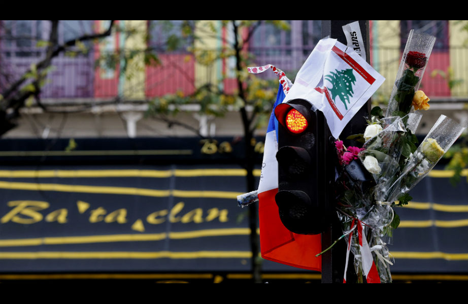 Την επομένη των επιθέσεων, έξω από το Μπατκλάν, πλήθος κόσμου συγκεντρώθηκε εις ένδειξη συμπαράστασης στις οικογένειες των θυμάτων των επιθέσεων όχι μόνο στη Γαλλία αλλά και το Λίβανο και το Ιράκ.