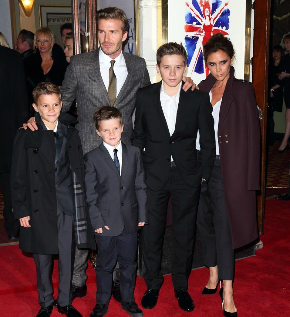 Η οικογένεια εμφανίζεται σε πάρα πολλά events μαζί δείχνοντας πόσο αγαπημένοι και δεμένοι είναι.